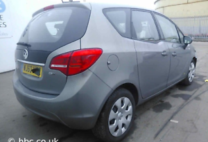 Breaking-Vauxhall-Meriva-back-rear-light