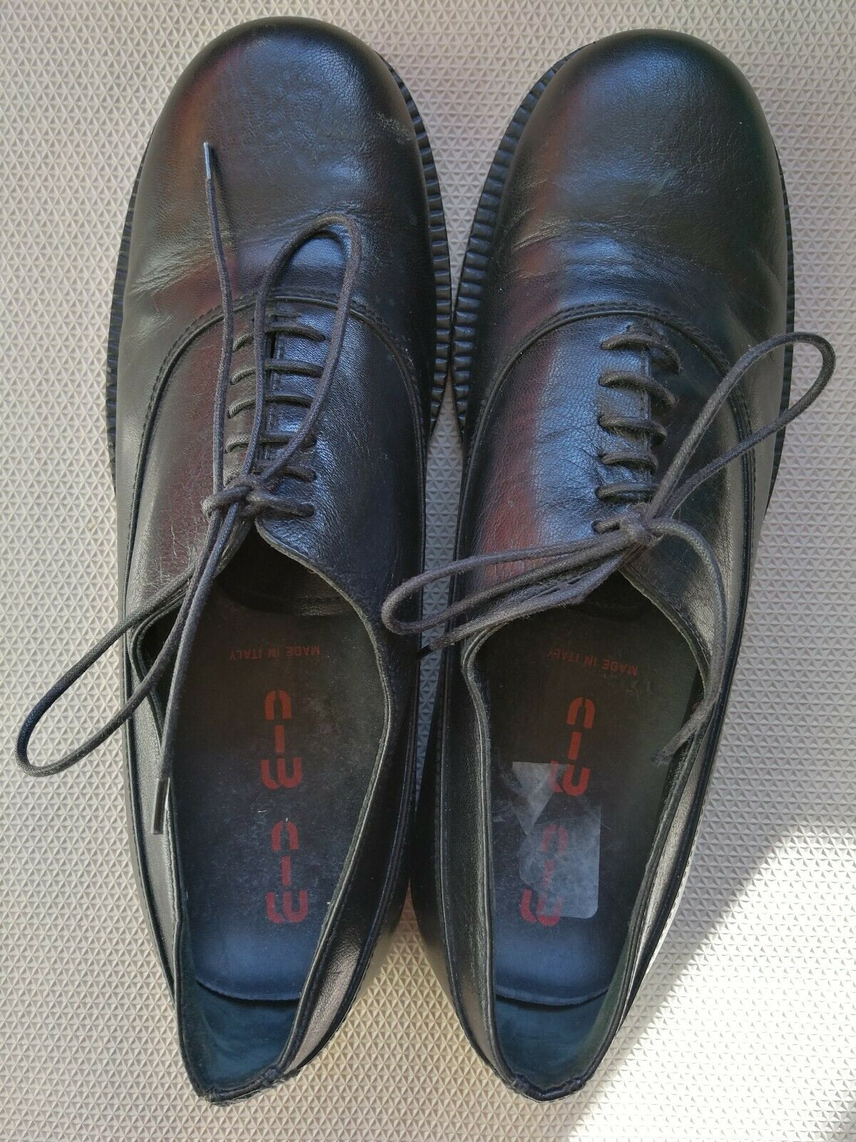 MIU MIU MIUMIU Black Leather Dress Oxfords Lace-Up shoes Size 7 Excellent Cond.
