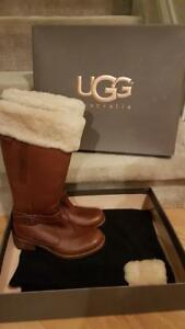 44b90f1e9b9 Details about Authentic Ugg Langley Boots S/N 5608