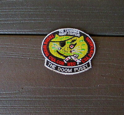 """VIETNAM WAR PATCH- B-57 USAF US AIR FORCES -""""THE DOOM PUSSY"""" THECANBERRA NIGHT"""