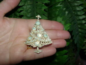 b0bd603f8 Image is loading Vintage-HOLLYCRAFT-CHRISTMAS-TREE-PIN-opalescent-rhinestone -brooch
