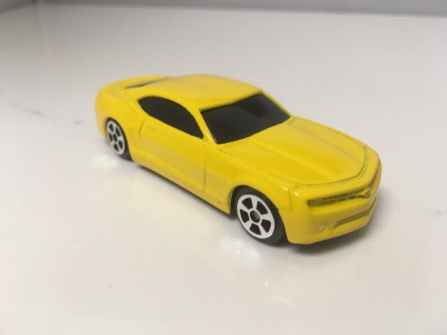 2006 06 Chevy Camaro Concept Collectible 164 Scale Diecast Diorama