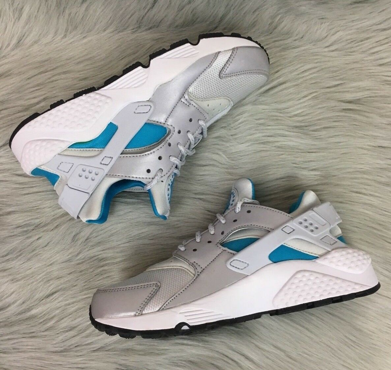 New Nike Air Huarache Run QS shoes (Size 6.5)