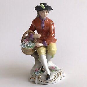 CAPODIMONTE-Porcelain-18th-Centrury-Costume-Man-Figurine-Picking-Up-Flowers-MINT