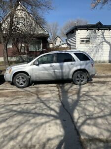 2009 Chevy equinox fresh safety runs excellent 3500$ firm