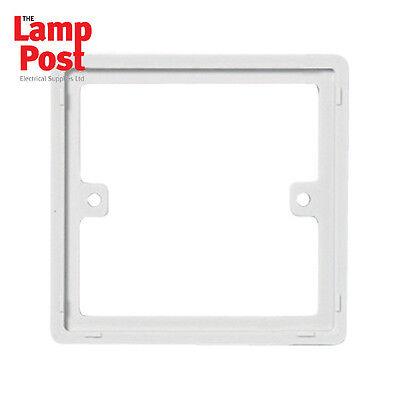 5 BG817 1 Gang 10mm Square Spacer White Qty