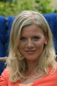 Eva-Habermann-TV-Film-Photo-7-7-8x11-13-16in-Without-Autograph-Be-4