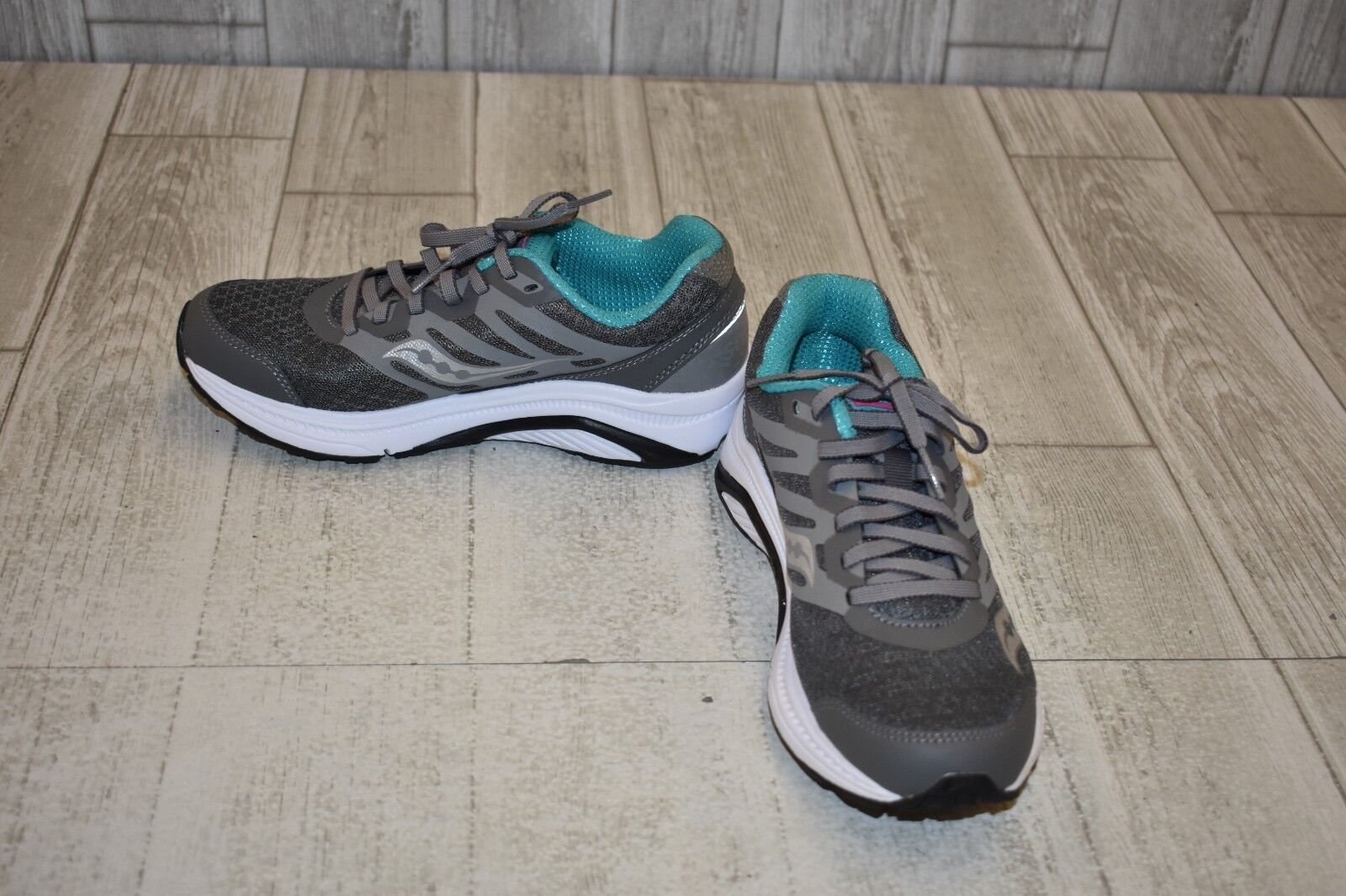 Saucony Powergrid Sneaker, Women's Size 6, Grey Teal