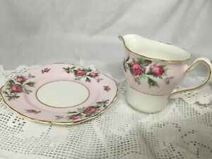 VINTAGE-Colclough-Pink-Roses-Bone-China-Milk-jug-amp-Matching-Side-Plate