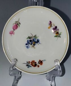 Antique-Meissen-SCATTERED-FLOWERS-Butter-Pat-One-Only-Cross-Swords-Mark