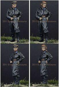 Alpine-Miniatures-1-35-35117-Russian-AFV-Crew-44-45-1