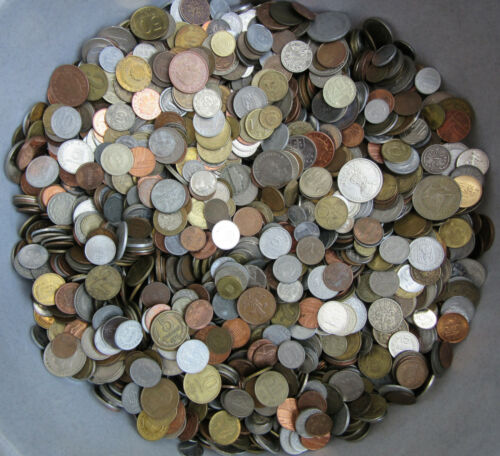 FREE SHIPPING WITH TRACKING 2.2 LBS HUGE LOT OF MIXED UNSEARCHED COINS 1.0 KG