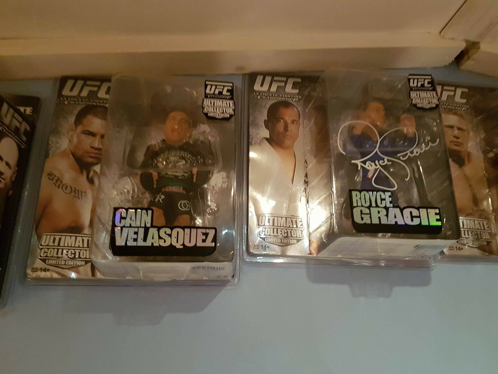 Royce Gracie UFC ROUND 5  LIMTED EDITION SERIES 4 EXTREMELY RARE   SIGNED  prix bas tous les jours