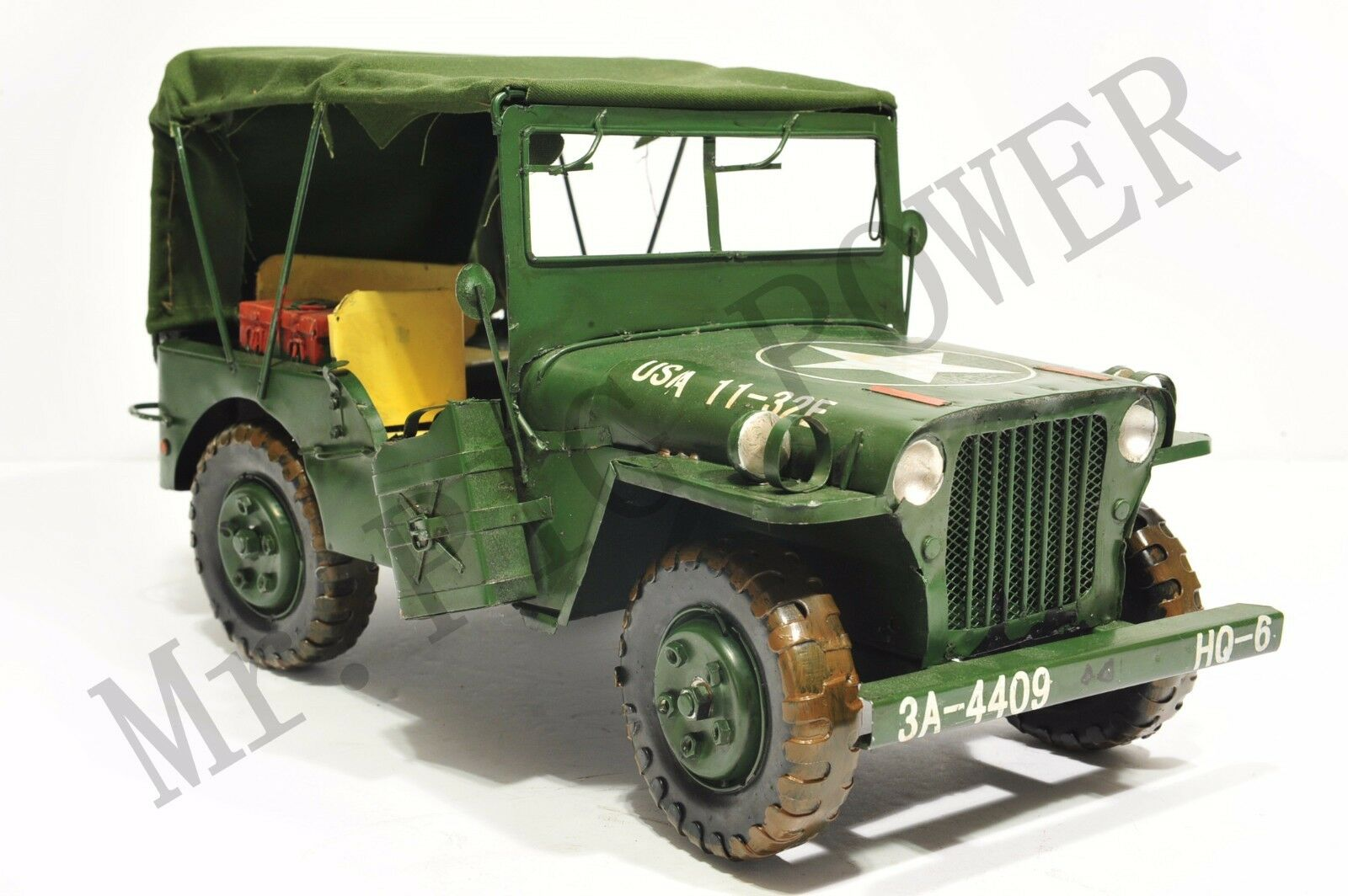 Handmade World War II US Military Vehicle Tinplate Antique Style Metal Model