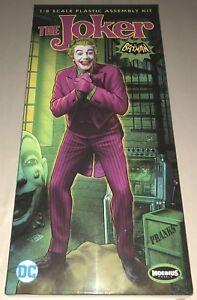 Moebius-The-Joker-1966-Batman-TV-Series-figure-1-8-scale-plastic-model-kit-956