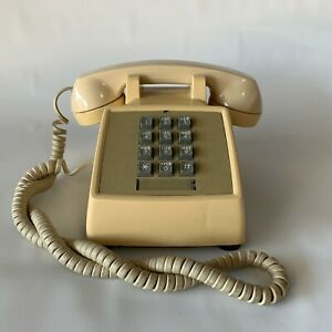 Vintage-Bell-System-Western-Electric-Telephone-Desk-Phone-Push-Button-Tan-PROP