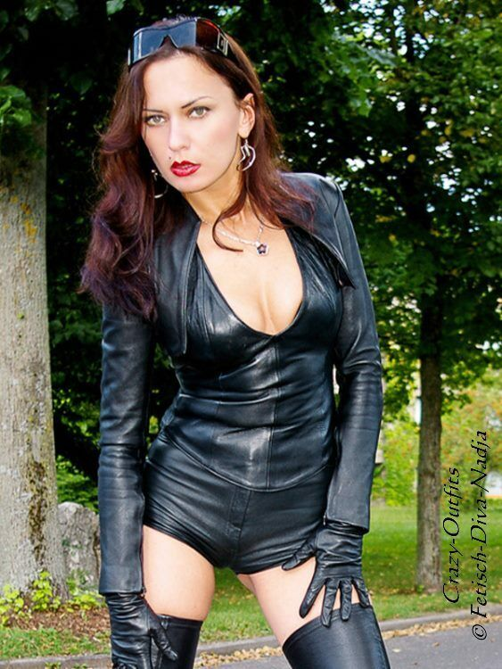 Lederhotpants Leder Hose Hotpants black Knalleng Größe 32 - 58 XS - XXXL