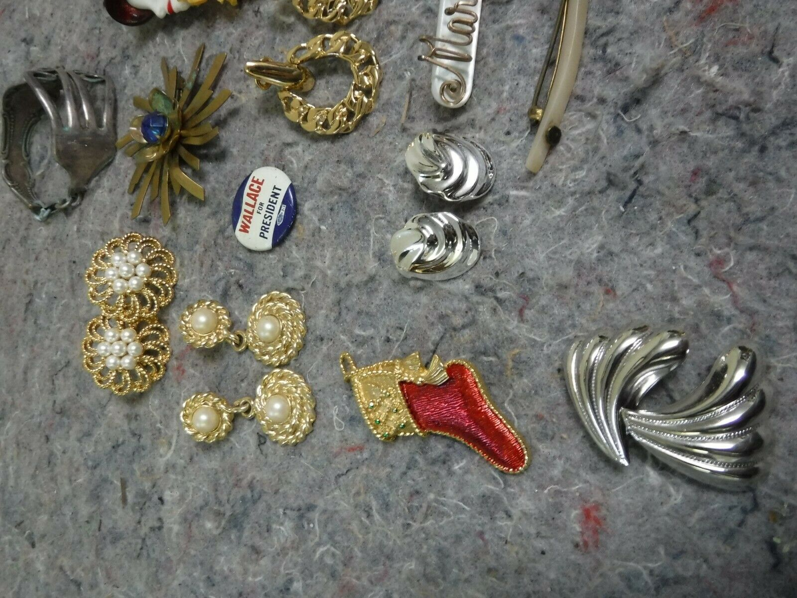 Lot of Mixed Costume Jewelry-Bracelet, Necklace, … - image 3