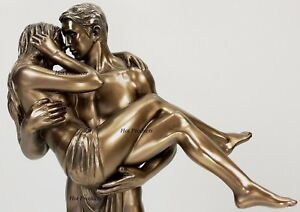LOVERS-STATUE-Man-Carrying-Woman-Male-Kissing-Female-Statue-Bronze-Finish