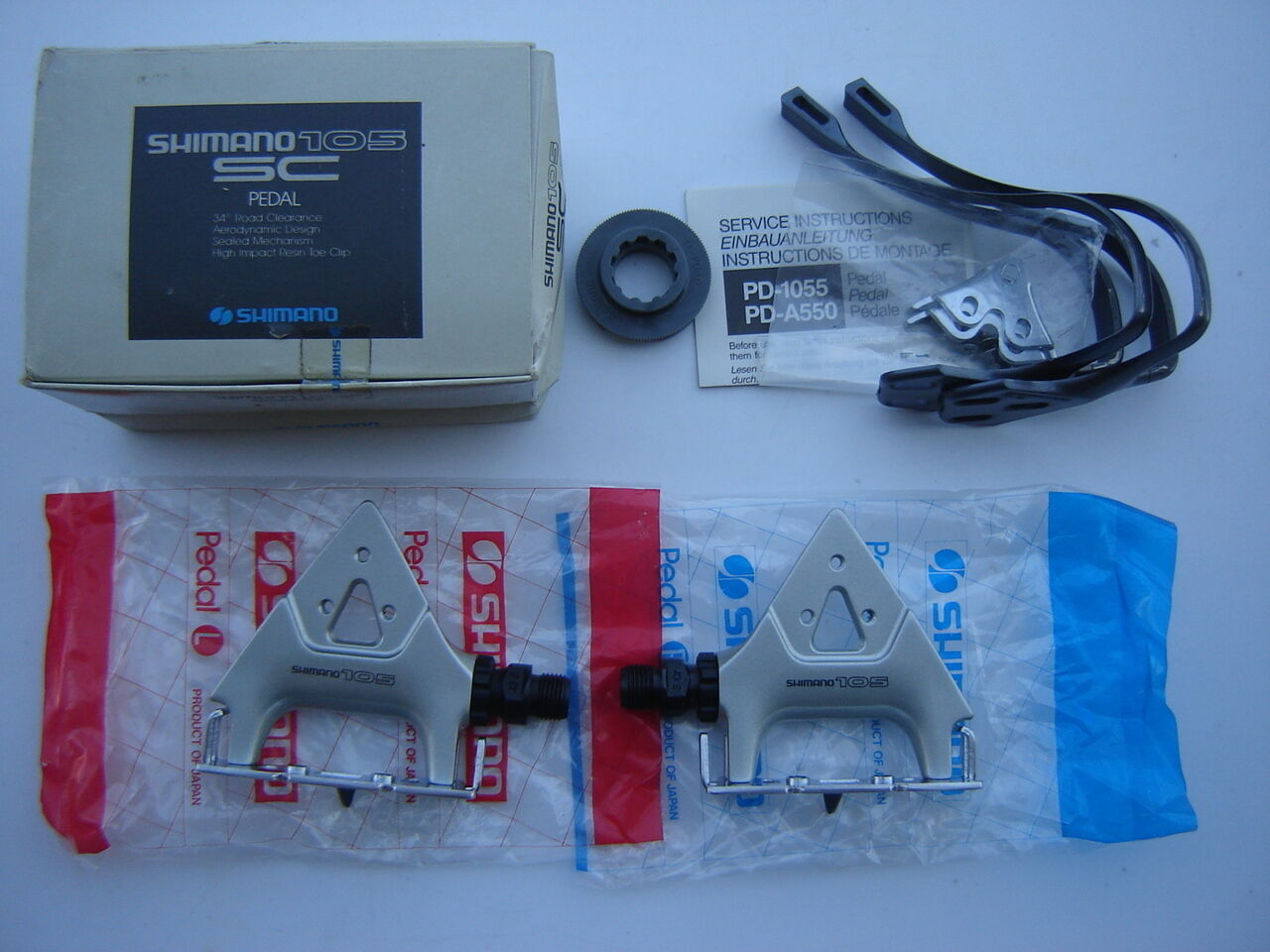 SHIMANO 105 SC PD-1055  PEDALS + TOE CLIPS + TOOL - NOS - NIB  quality first consumers first