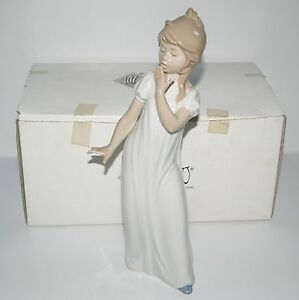 Lladro-Nao-29cm-Young-Maiden-Girl-Yawning-standing-Ornament-Original-Box-0230
