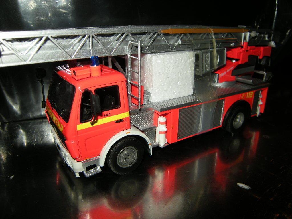 1 43 neo - mercedes - benz 1422 metz dlk23-12 fw-t feuerwehr 45726 ovp.