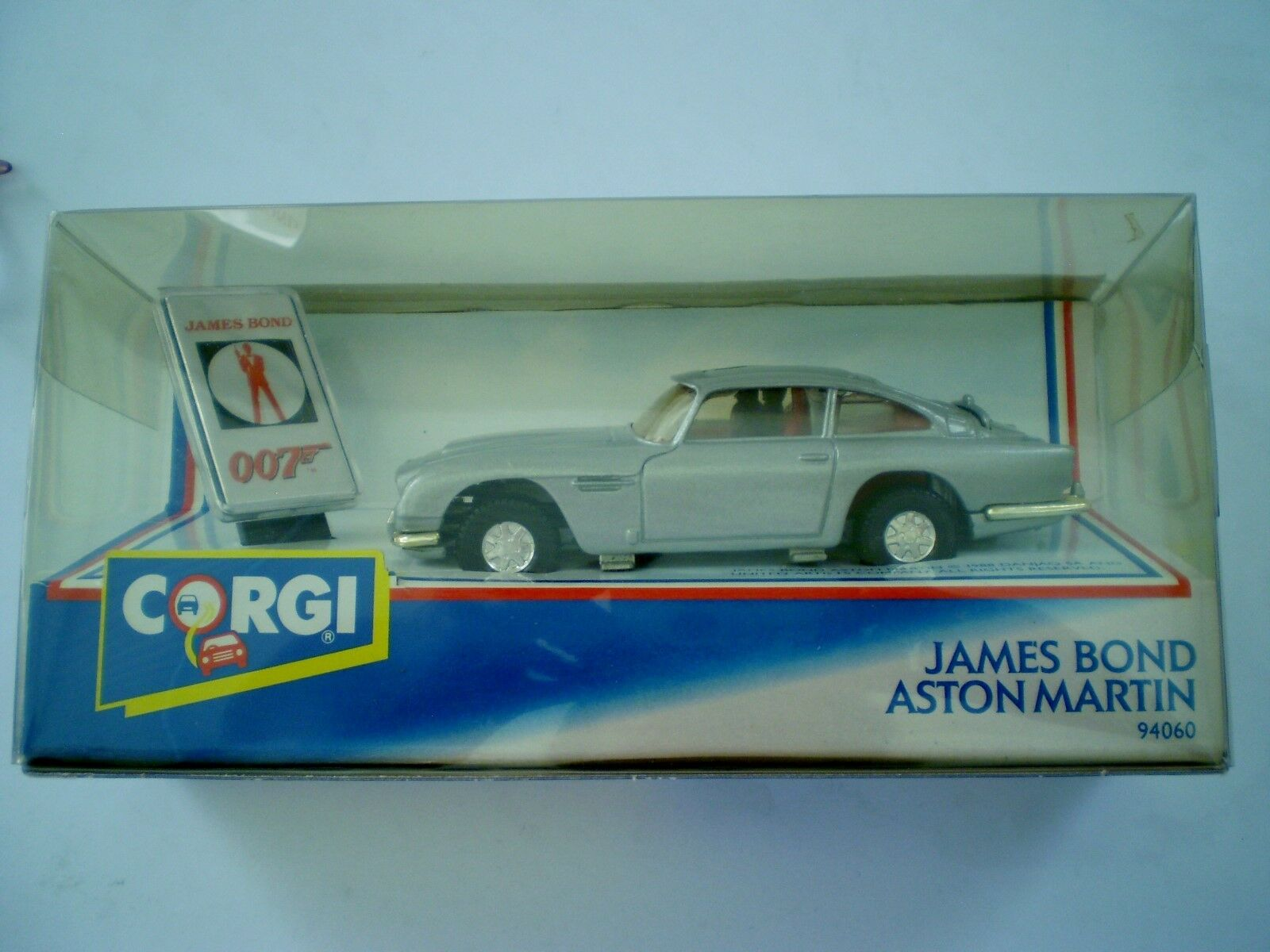 Corgi Auto-James Bond 007-Aston Martin-Diecast - 94060 - 1992