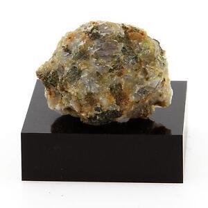 Feldspar-Syenite-32-8-Cts-Grenville-Quebec-Canada