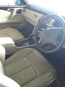Mercedes-Benz-E320-Elegance-1996