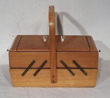 Älterer Nähkasten Utensilienbox Buche Nähkästchen mit Inhal - vintage sewing box