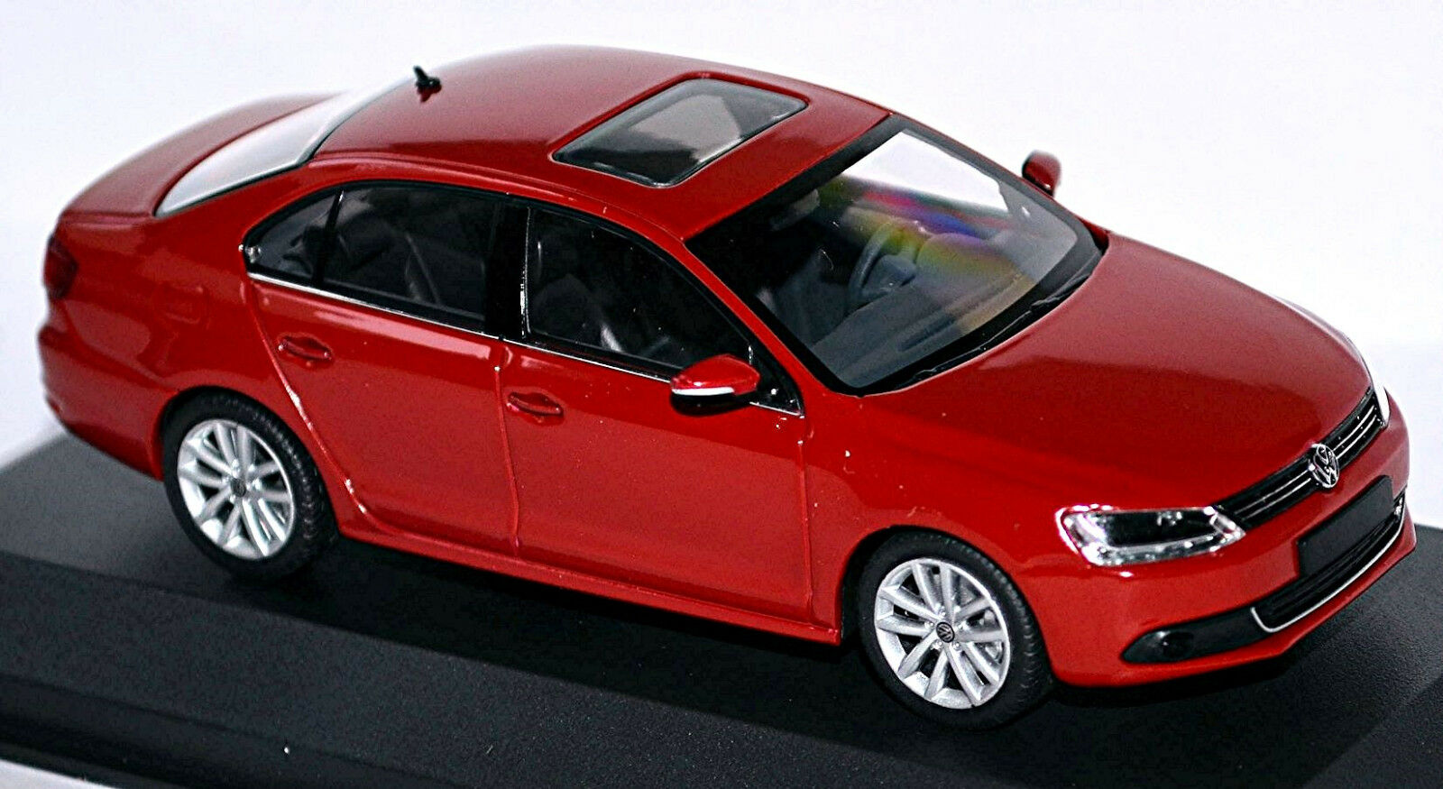 VW Volkswagen Jetta VI 2010-14 rot rot 1 43 Minichamps  | Outlet Store Online