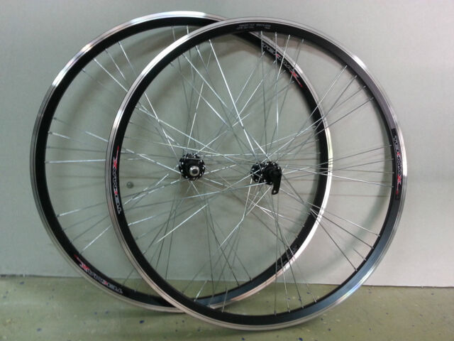 Coppia Ruota/Cerchio Anteriore e Posteriore Bici Bicicletta 28 City Bike a Vite
