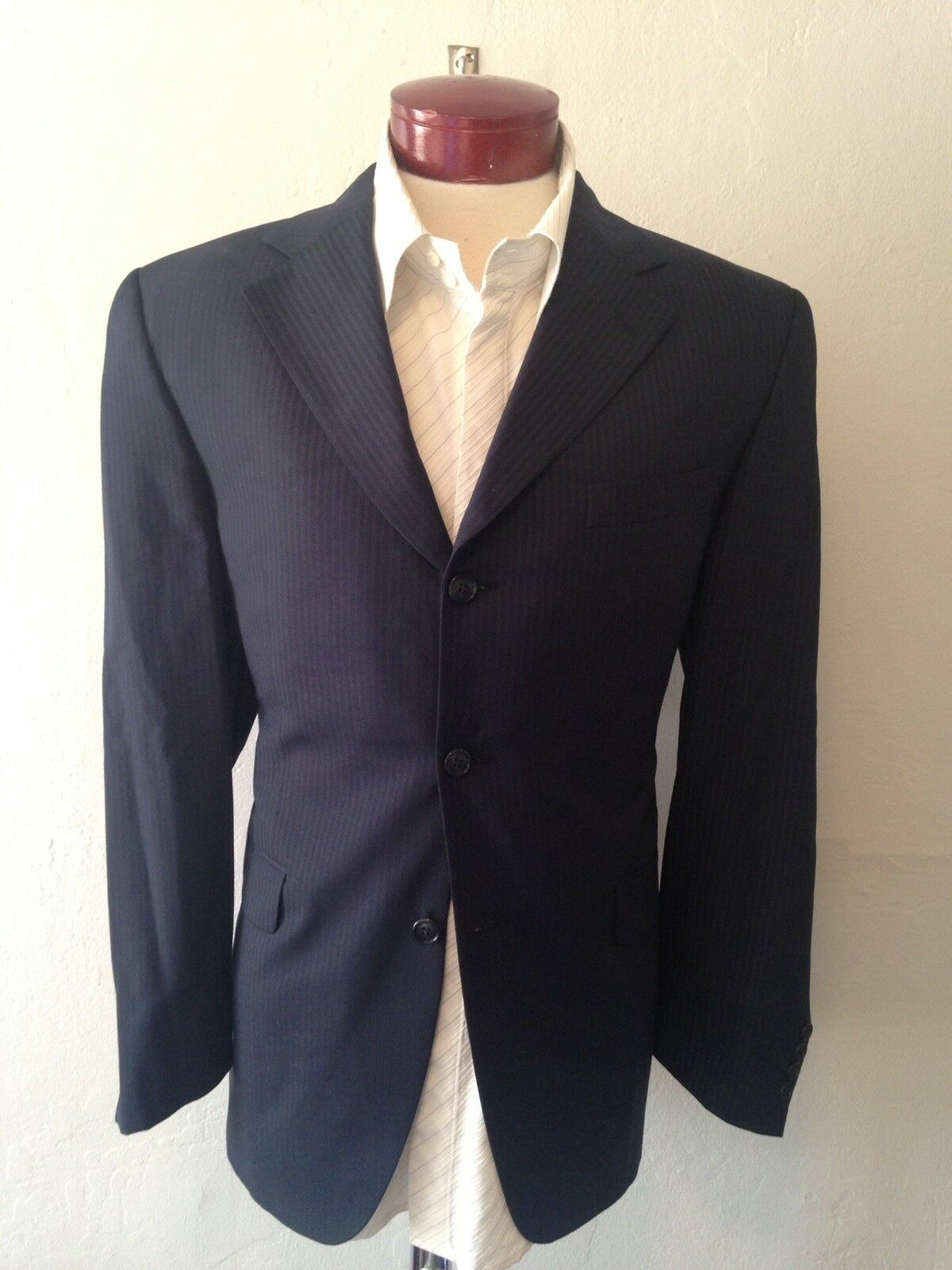 G151 J. Victor Men Wool Suit Navy Striped 42R 3-Button Pleated Front W35XL29