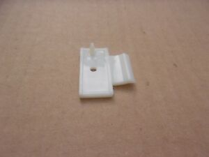 New-1965-1966-1967-Dodge-Coronet-Charger-Rocker-Moulding-Clip