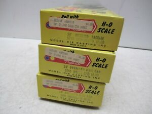 LOT-OF-3-ROUNDHOUSE-HO-SCALE-KITS-MAIL-CAR-BAGGAGE-CAR-665189-665190