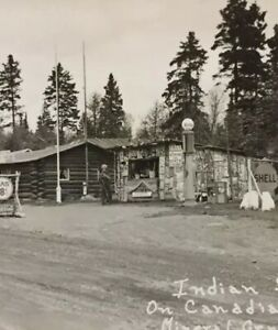 Postcard-Indian-Stand-Canadian-Border-Shell-Gas-18cents-Minn-Vintage-P32