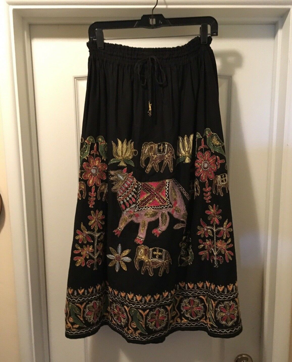 PASSPORTS of Pier 1 Imports Beautiful Hand Embroidered Full Skirt Sz S, Vintage