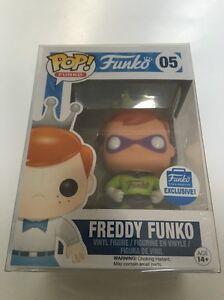 Funko Pop!   # 05 Exclusivité Freddy Super Hero Shop