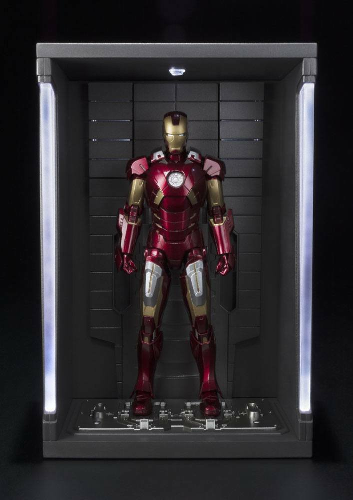 Bandai S.H. Figuarts Iron Man Mark VII 7 & Hall Of Armor Set NEW