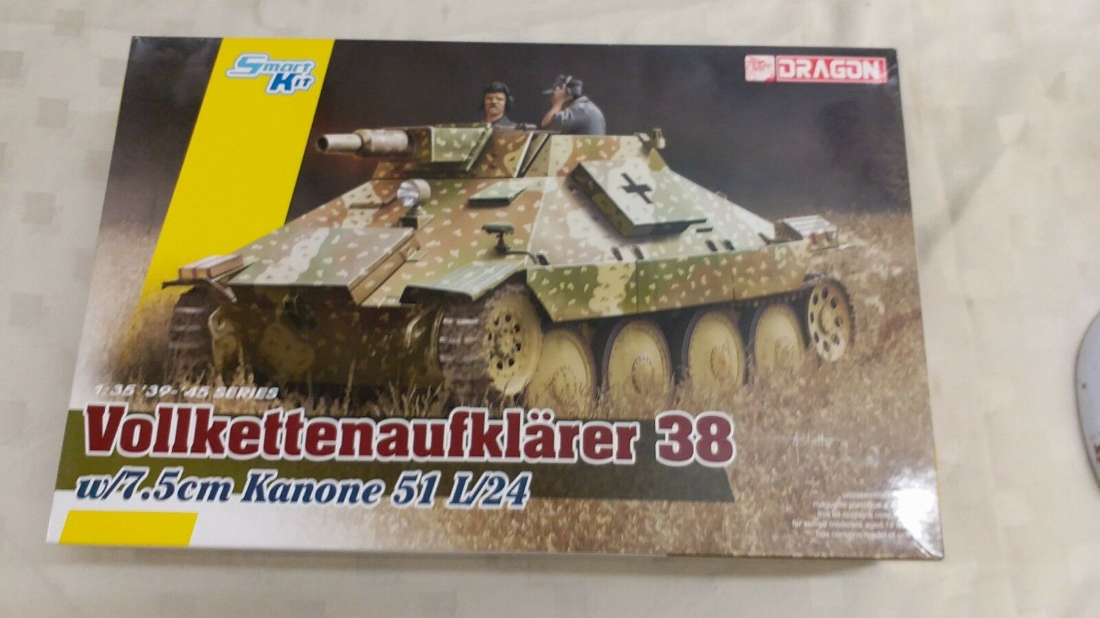 DRAGON 1 35 VOLLKETTENAUFKLARER 38 w 7.5cm Kanone 51 L 24 Model Kit BNIB