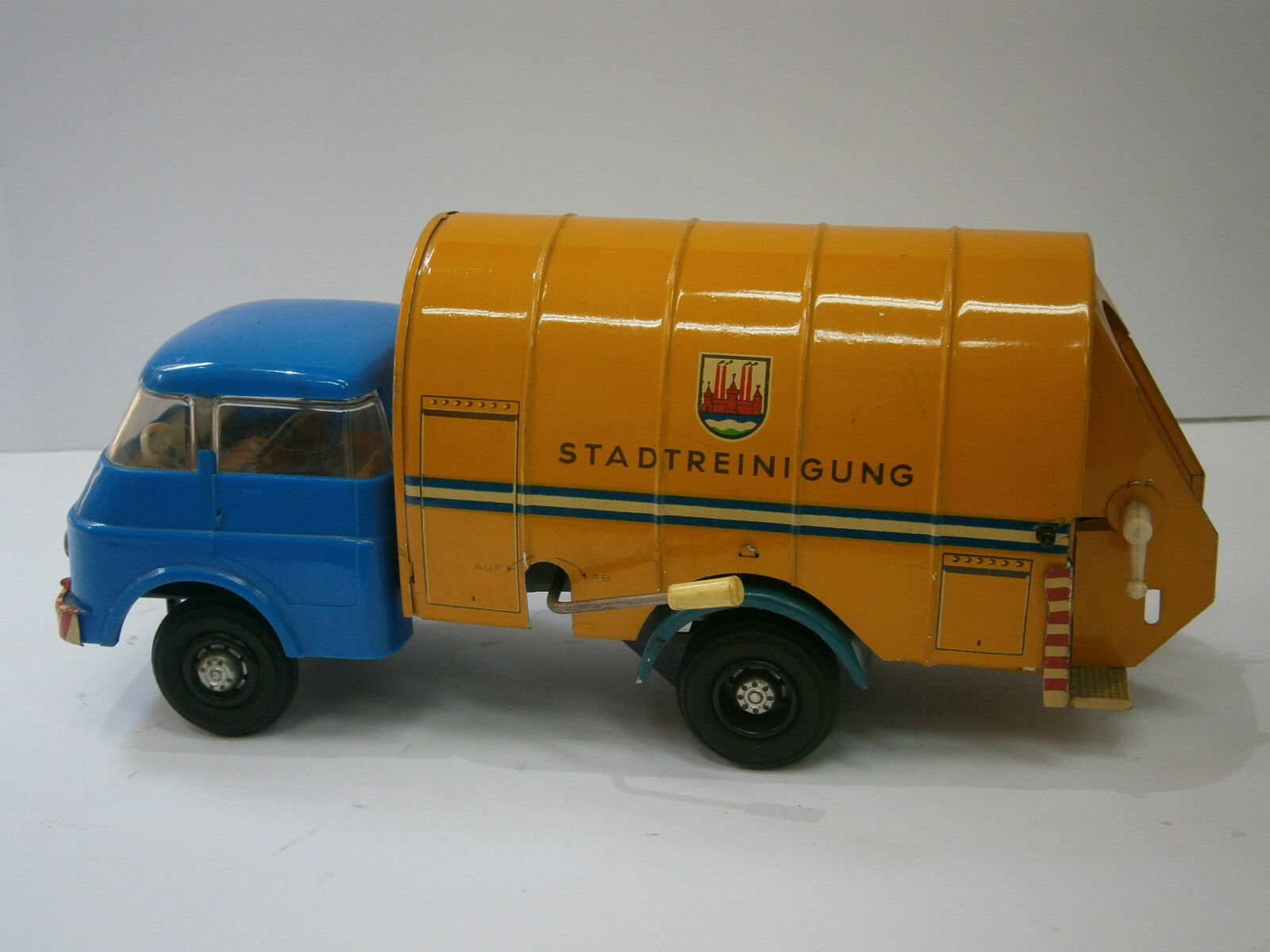 Vintage Rare DDR allemand friction TOY TIN VOITURE CAMION Tumbrel refuser  Miss VEB  SKODA