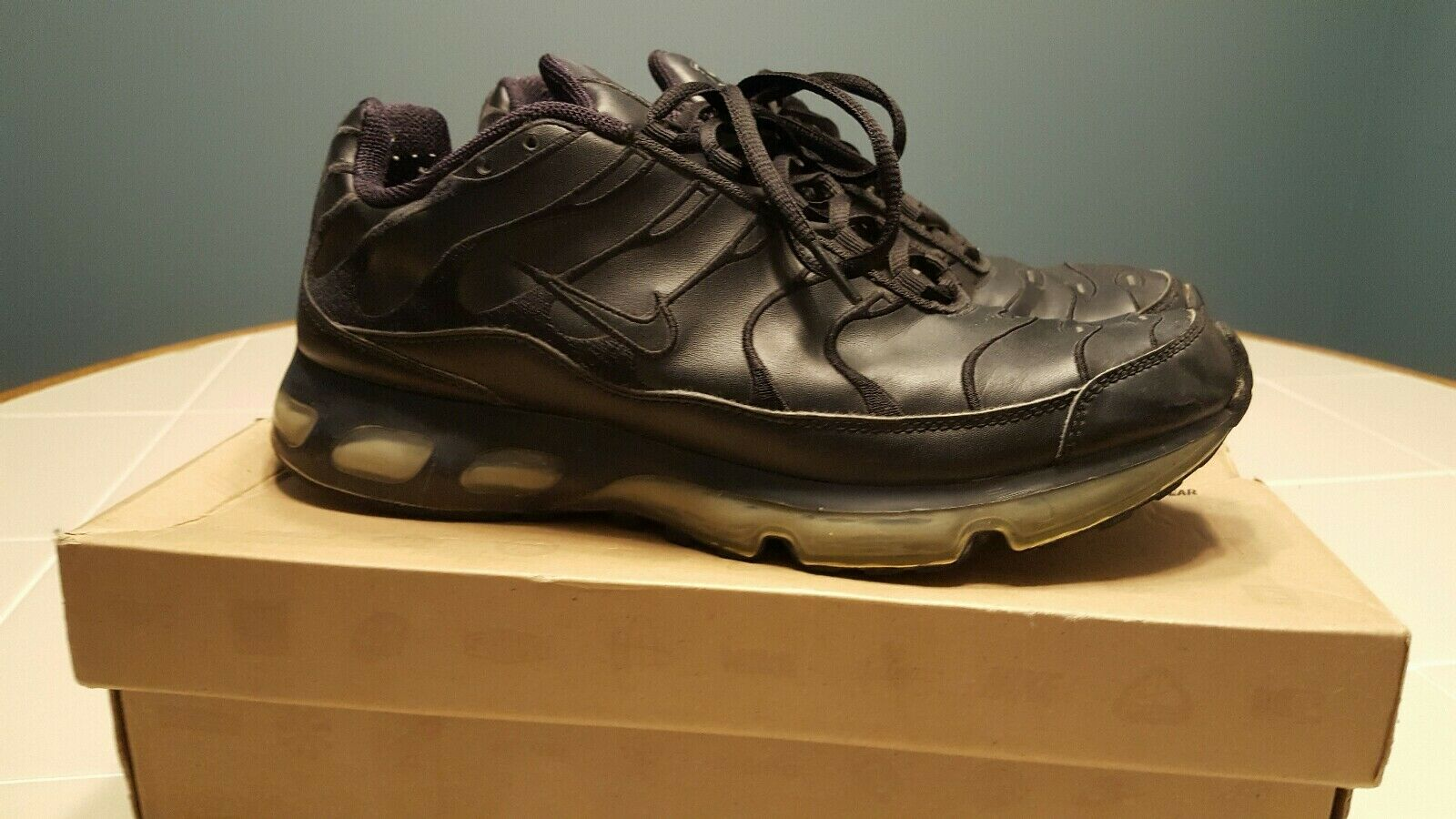 RARE AUTHENTIC NIKE AIR MAX TN 360 TUNED PLUS SIZE 9.5 TRIPLE BLACK LEATHER