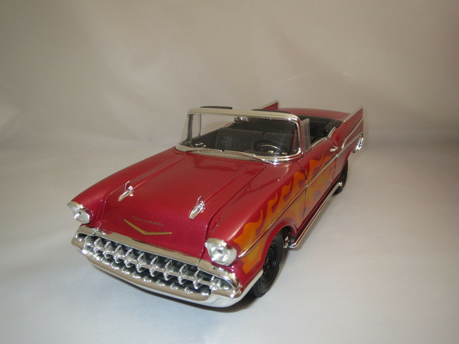 ERTL/American Muscle Chevrolet Bel Air  1957   rosso-met./arancio  1:18 senza VP.