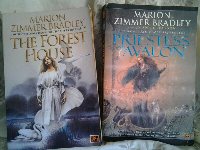 """2 GREAT NOVELS """"THE FOREST HOUSE"""" AND """"PRIESTESS OF AVALON"""" - BOTH FOR R100 -"""