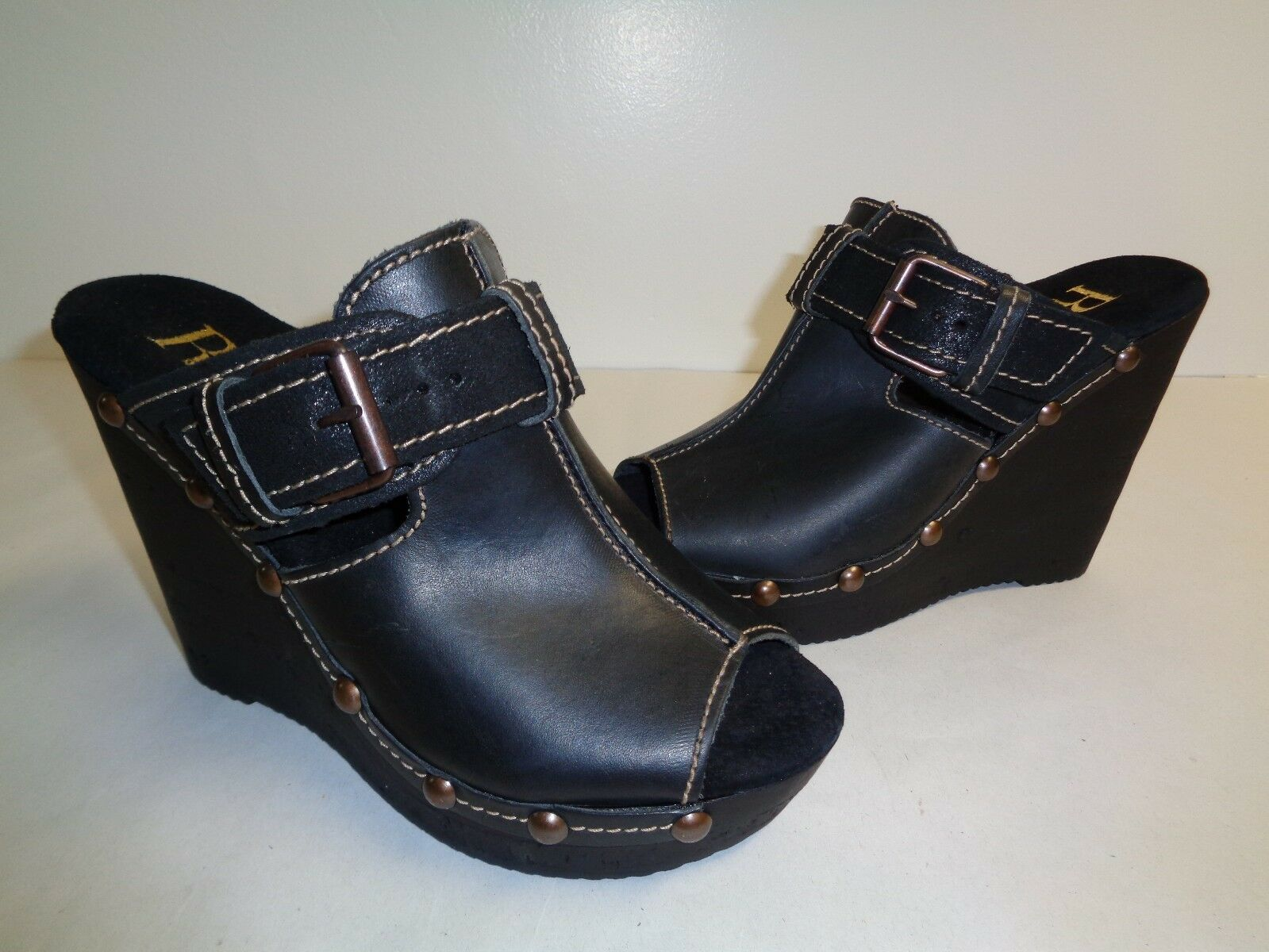 Reba Size 7 UNLIMITED Black Leather Wedge Sandals New Womens shoes