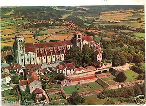 89-cpsm-VEZELAY-Vue-aerienne-de-la-Basilique-Sainte-Madeleine-H5274