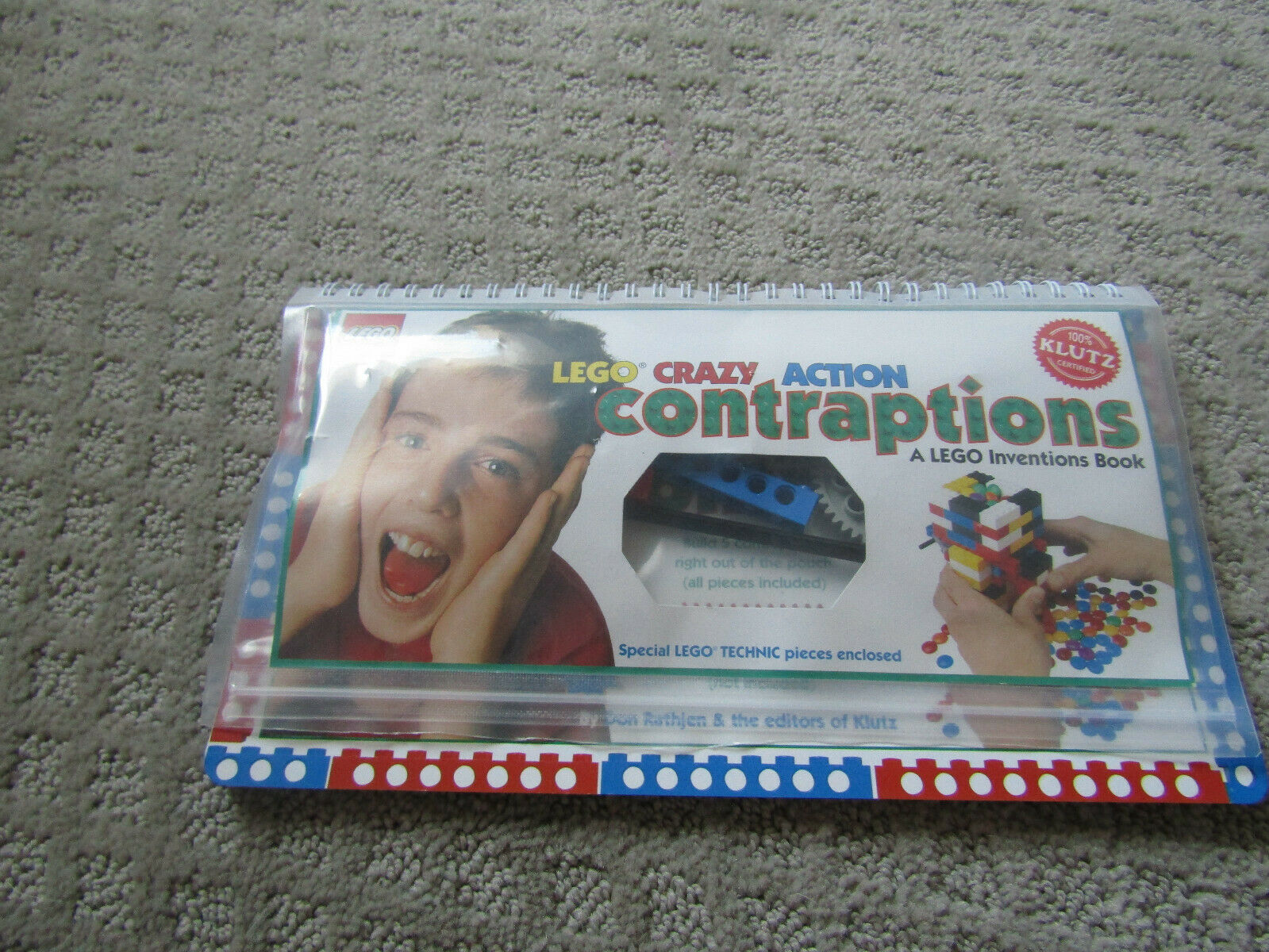 NEW 100/% Klutz Certified LEGO Crazy Action Contraptions Craft Kit 16 Projects