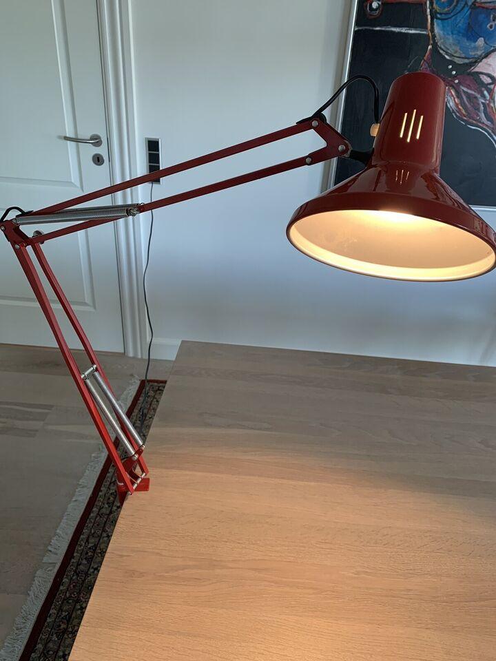 Luxo, L-1P, skrivebordslampe