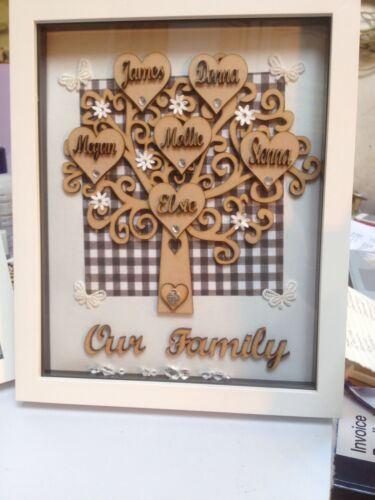 Personalised Family Tree Frames  8 x 10 ins Up to 8 Names