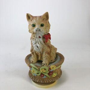 Vintage-ceramic-cat-music-box